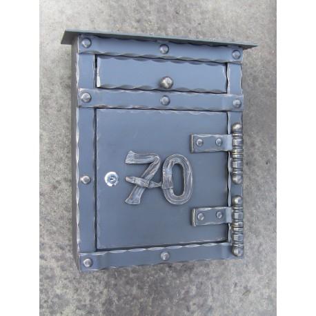 Kované číslo na schránku